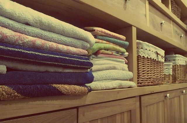 ručníky, úložné prostory, skříně