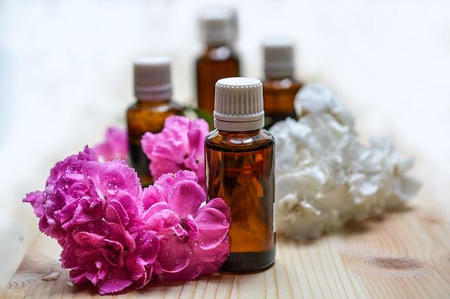 květinové éterické oleje