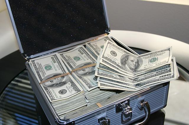 dolary)